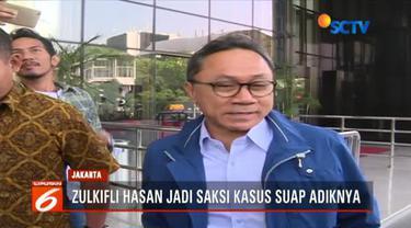 Ketua Umum PAN Zulkifli Hasan diperiksa sebagai saksi dalam kasus dugaan suap yang melibatkan adiknya Bupati Non-aktif Lampung Selatan Zainudin Hasan.