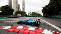 Pembalap Renault, Sebastien Buemi, beraksi di ePrix Buenos Aires. (Fiaformulae.com)