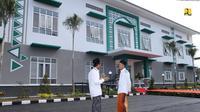 Program Padat Karya Tunai (PKT) lewat pembangunan MCK di pesantren. (Dok. Kementerian PUPR)