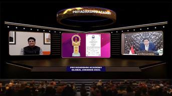 Berkontribusi Besar dalam Pemulihan Ekonomi, Menko Airlangga Terima Priyadarshni Academy Global Award
