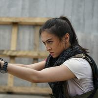 Raline Shah di film Police Evo (Screenplay)
