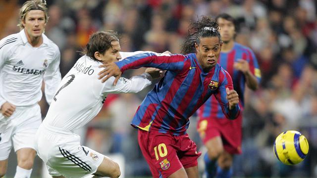 Ronaldinho dan Kisah Cinta Manis dengan El Clasico - Spanyol Bola.com