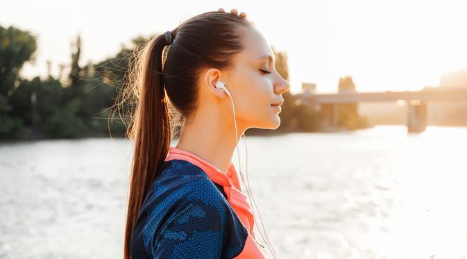 7 Alasan Menarik Pentingnya Mendengarkan Musik saat Olahraga - Lifestyle  Fimela.com
