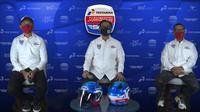 Rapsel Ali (tengah), Ketua Mandalika Racing Team Indonesia sekaligus Presiden Pertamina Mandalika SAG Team pada sesi launching tim, Rabu (25/02/2021). (Istimewa)
