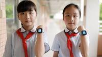 Anak sekolah Tiongkok yang gunakan jam pintar (Sumber: dailymail)