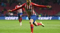 Angel Correa dikabarkan merapat ke AC Milan (GABRIEL BOUYS / AFP)