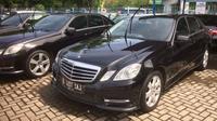 Mercedes-Benz yang sempat disewa rombongan Raja Salman dijual. (Herdi/Liputan6.com)