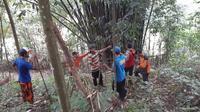 Pencarian orang hilang di lereng Gunung Slamet, Desa Kemutug Kidul, Baturraden, Banyumas,. (Foto: Liputan6.com/Tagana Banyumas/Muhamad Ridlo)