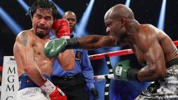 Manny Pacquiao (kiri) vs Timothy Bradley (REUTERS/Steve Marcus)