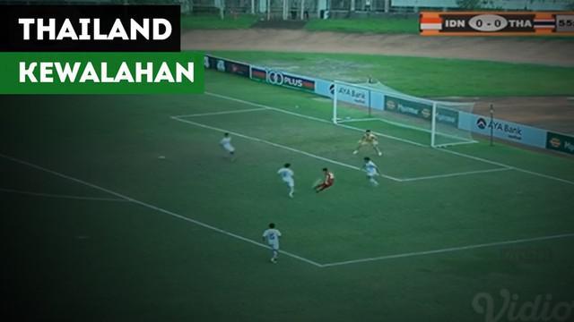 Berita video 2 momen Egy Maulana Vikri membuat pemain Thailand kewalahan pada semifinal Piala AFF U-18 2017, Jumat (15/9).