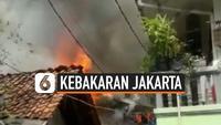 Kebakaran terjadi di kawasan Ulujami Jakarta Selatan, 3 rumah hangus terbakar. Penyebab kebakaran adalah kebocoran pada tabung gas yang digunakan memasak warga.