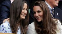 Kate Middleton dan Pippa Middleton (Kirsty Wigglesworth/AP)