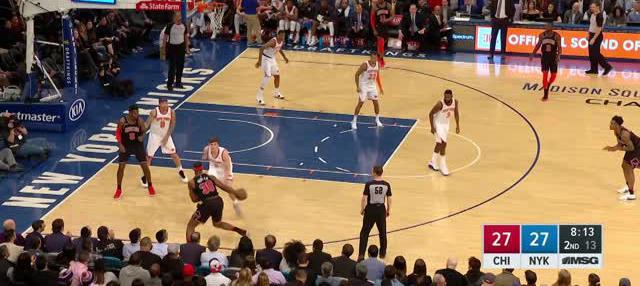 Berita video game recap NBA 2017-2018 antara New York Knicks melawan Chicago Bulls dengan skor 110-92.