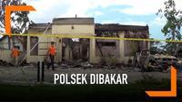 Tim Inafis Polda Jatim menyelidiki pembakaran Mapolsek Tambelangan Sampang. Mapolsek Tambelangan dibakar oleh ratusan orang tadi malam. Belum diketahui motif pembakaran, Polres Sampang masih meyelidiki kasus ini