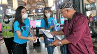 Traveloka bagi-bagi masker sebagai tindakan antisipasi penyebaran viirus corona. (dok. Traveloka)