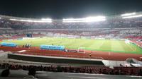 Stadion Utama Gelora Bung Karno sepi saat Timnas Indonesia melawan Timor Leste di Piala AFF 2018, Selasa (13/11/2018). (Bola.com/Muhammad Ivan Rida)