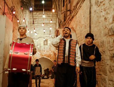Musahirati, Tradisi Bangunkan Sahur di Palestina