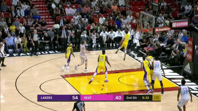 Berita video game recap NBA 2017-2018 antara LA Lakers melawan Miami Heat dengan skor 131-113.