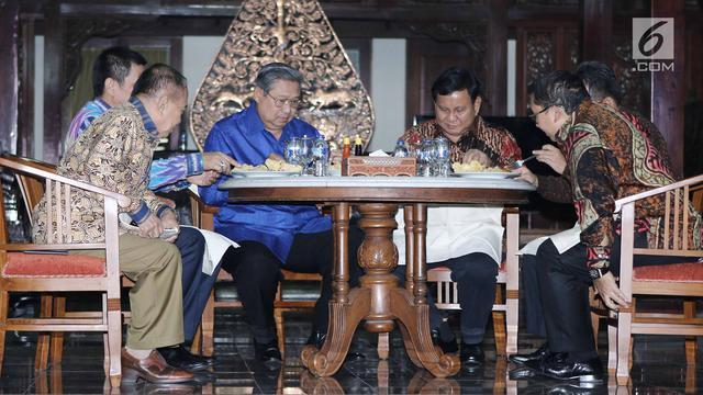 Jamuan Nasi Goreng SBY untuk Prabowo