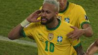 Neymar selebrasi golnya saat Brasil gasak Peru 3-0 di Copa America 2021 (Carl de Souza/AFP)
