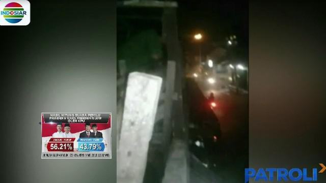 Dari rekaman video amatir warga, saat menjelang waktu sahur, 12 orang pemuda yang mengendarai sepeda motor menyerang seorang warga dengan sebilah celurit.
