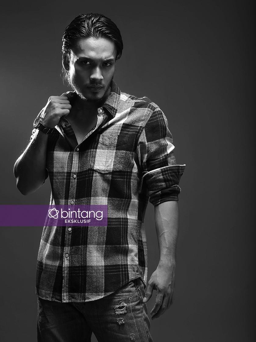 Randy Pangalila (Foto: Bambang E Ros, Stylist: Indah Wulansari, DI: Muhammad Iqbal Nurfajri/Bintang.com)