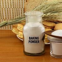 Fungsi dan kegunaan baking powder./Copyright shutterstock.com