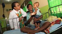 Menteri PPPA Yohana Yembise melakukan kunjungan ke Kabupaten Asmat, Papua (Kementerian Pemberdayaan Perempuan dan Perlindungan Anak)