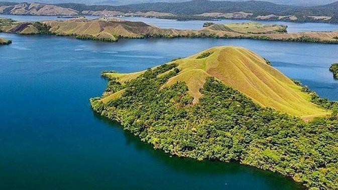 Danau Sentani Papua (dok.Instagram@barrykusuma/https://www.instagram.com/p/BIy-JQ-DoZb/?igshid=azqo91i2nkc3/Devita Nur Azizah