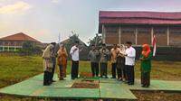 Presiden Jokowi mengaku diberitahu soal kado yang diberikan kepada Ponpes Buntet, tapi ia kaget dengan jumlahnya. (Liputan6.com/Panji Prayitno)