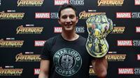 Kabar bahagia datang untuk pecinta film, Avengers: Infinity War sudah bisa disaksikan di bioskop mulai hari ini (25/4/2018). Begitu juga dengan Mike Lewis dan sederet artis ini yang telah menyaksikan di gala premiere tadi malam. (Deki Prayoga/Bintang.com)