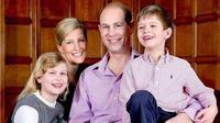 Keluarga Pangeran Edward - Sophie Rhys-Jones. (dok.Instagram @windsor_family/https://www.instagram.com/p/CMAvNDcHVg0/Henry)
