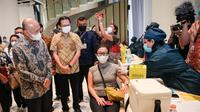 Menteri Koperasi dan UKM Teten Masduki menghadiri pelaksanaan Kick-Off vaksinasi Covid-19 bagi pelaku UKM, di Ciputra Artpreneur Jakarta, Kamis (1/4/2021).