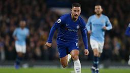 Musim ini saja, hazard telah mencetak tujuh gol dan delapan assist. Namun kabar simpang siur tengah melanda Chelsea usai Hazard dikabarkan ingin pindah ke Real Madrid. (AFP/Ian Kington)
