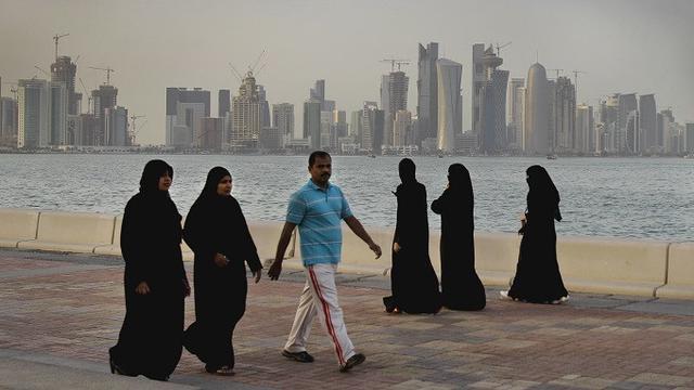 Sejumlah negara yang dipimpin oleh Arab Saudi mengambil langkah terkoordinasi, memutuskan hubungan dengan Qatar