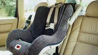 Jika car seat sekarang mengutamakan keamanan dan kenyamanan anak, dahulu tak begitu tak terlalu dipikirkan.
