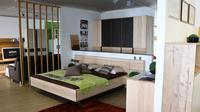 Dekorasi minimalis juga memberikan suasana yang nyaman dan clean, sehingga bikin Anda betah berlama-lama ada di dalam rumah.