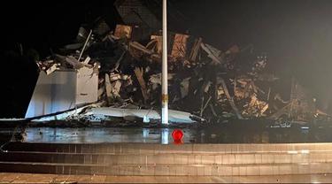 Gempa kembali mengguncang Majene, Sulbar. Kantor Gubernur dilaporkan ambruk. (Foto: Liputan6.com/Istimewa-Abdul Rajab Umar)