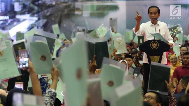 Jokowi Bagikan 3.000 Sertifikat Tanah di Pasar Minggu