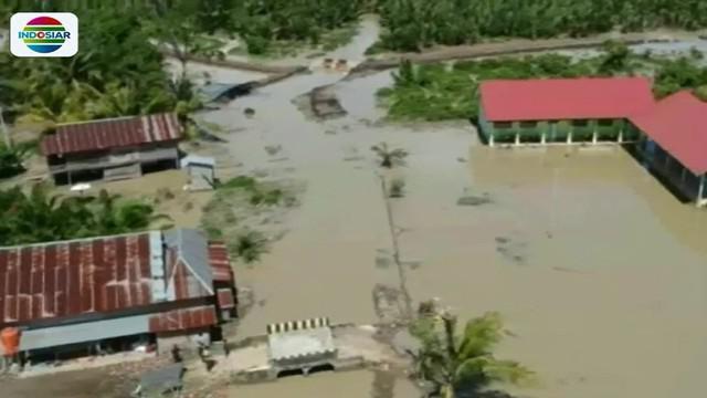 Beberapa hari sebelumnya, luapan sungai ini juga menyebabkan fasilitas publik seperti perkantoran dan sekolah terganggu.