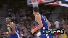 Berita video game recap NBA 2017-2018 antara Golden State Warriors melawan San Antonio Spurs dengan skor 110-97.