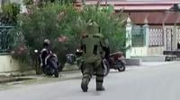 Penemuan kardus yang di duga berisi bom di depan hotel di Jakarta, hingga Polri periksa Dita sebagai saksi kasus penganiayaan anggota DPR.