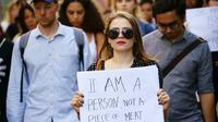Aksi long march digelar Rotterdam, Belanda, pada Selasa (31/7/2018) untuk menuntut keadilan terhadap perempuan, mereka juga prihatin terhadap insiden yang menimpa mahasiswi Indonesia yang jadi korban pemerkosaaan. (Bud Wichers / HumInt)