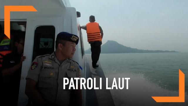 Pengamanan arus mudik dilakukan di wilayah perairan Selat Sunda. Pasukan Polairud bersiaga selama arus mudik hingga arus balik memastikan perjalanan pemudik berjalan aman dan lancar.