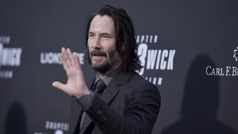 Berhati Baik, Keanu Reeves Hadiahkan Jam Tangan Mewah untuk Stuntman John Wick Chapter 4