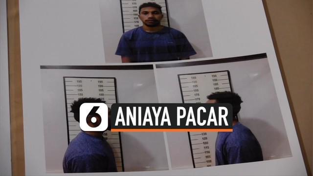 Polres Metro Jakarta Utara menangkap Alvian Sanyi, pesepakbola yang juga mantan kapten klub Persipura, setelah dilaporkan menganiaya kekasihnya akibat kalah bermain game online.