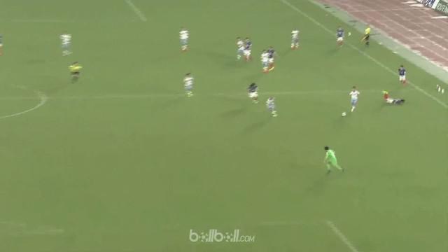 Taishi Taguchi mencetak gol fantastis nyaris dari tengah lapangan saat Jubilo Iwata menang 3-1 atas Yokohama F. Marinos dalam laga...