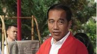 Jaket merah Garuda Jokowi. (dok.Instagram @jokowi/https://www.instagram.com/p/B0h1rlOB-6M/Henry