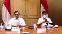 Menteri Koordinator bidang Kemaritiman dan Investasi Luhut Binsar Pandjaitan saat konferensi pers PPKM diperpanjang di Jakarta, Senin (4/10/2021).