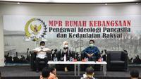 Diskusi Empat Pilar dengan tema 'Harapan Dan Optimisme Vaksin Covid-19 Untuk Keselamatan Rakyat', kerjasama MPR dengan Koordinatoriat Wartawan Parlemen, di Media Center MPR/DPR, Lobi Gedung Nusantara III, Senayan, Jakarta, Rabu (25/11/2020).